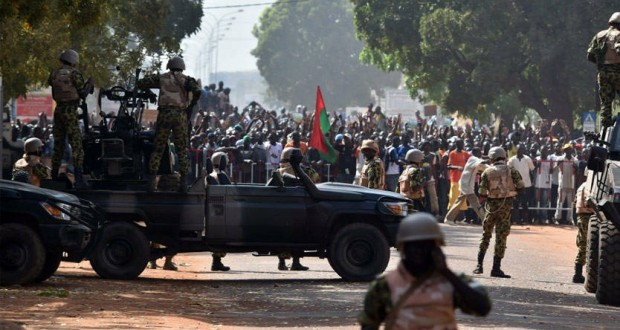 الشرطة تطلق النار على تظاهرة طلابية في #بابوا #غينيا_الجديدة