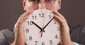 إحذروا الجلوس لأكثر من 10 ساعات في العمل