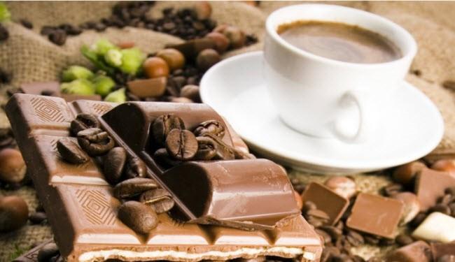 أوضحت الدراسة أن إدمان الشوكولاتة المليئة بالسكر والسعرات الحرارية، أمر مفيد وصحي لجسم الإنسان