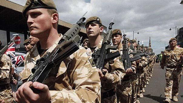"""بريطانيا تعتزم إرسال 250 جنديا للعراق وتوفير ذخائر ومعدات لـ""""البيشمركة"""""""