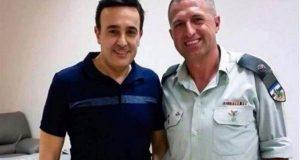 """صورة صابر الرباعي مع """"ضابط اسرائيلي"""" تشعل مواقع التواصل"""