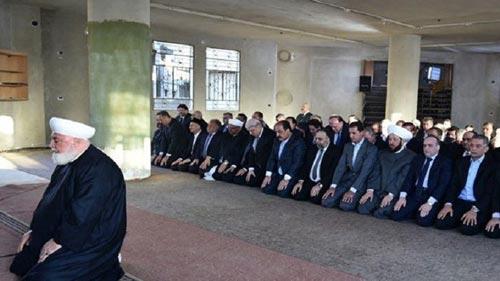 الرئيس بشار الاسد يؤدي صلاة عيد الاضحى في مدينة داريا بريف دمشق