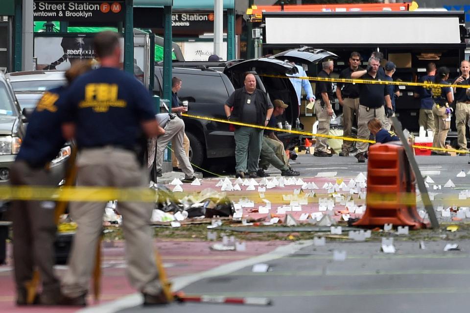 newyork-police-explosion1