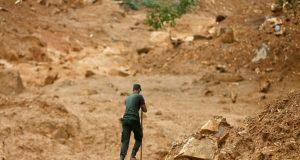 إنهيار أرضي في كولومبيا يدفن 17 شخصا