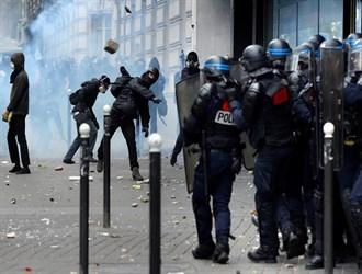 تواصل احتجاج الشرطة الفرنسية في باريس
