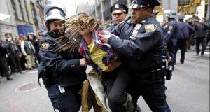 الشرطة الأمريكية تعتقل 80 شخصًا بولاية نورث داكوتا