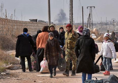 الجيش يستعد لـ«كامل حلب»… وواشنطن تعترف بـ«مجرزة» دير الزور