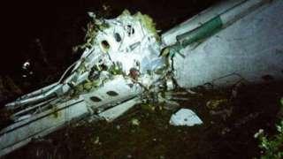 تحطم طائرة  بوسط كولومبيا على متنها 81 شخصا