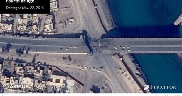 """صور جوية تظهر قطع """"الشرايين الحيوية"""" لمدينة الموصل"""