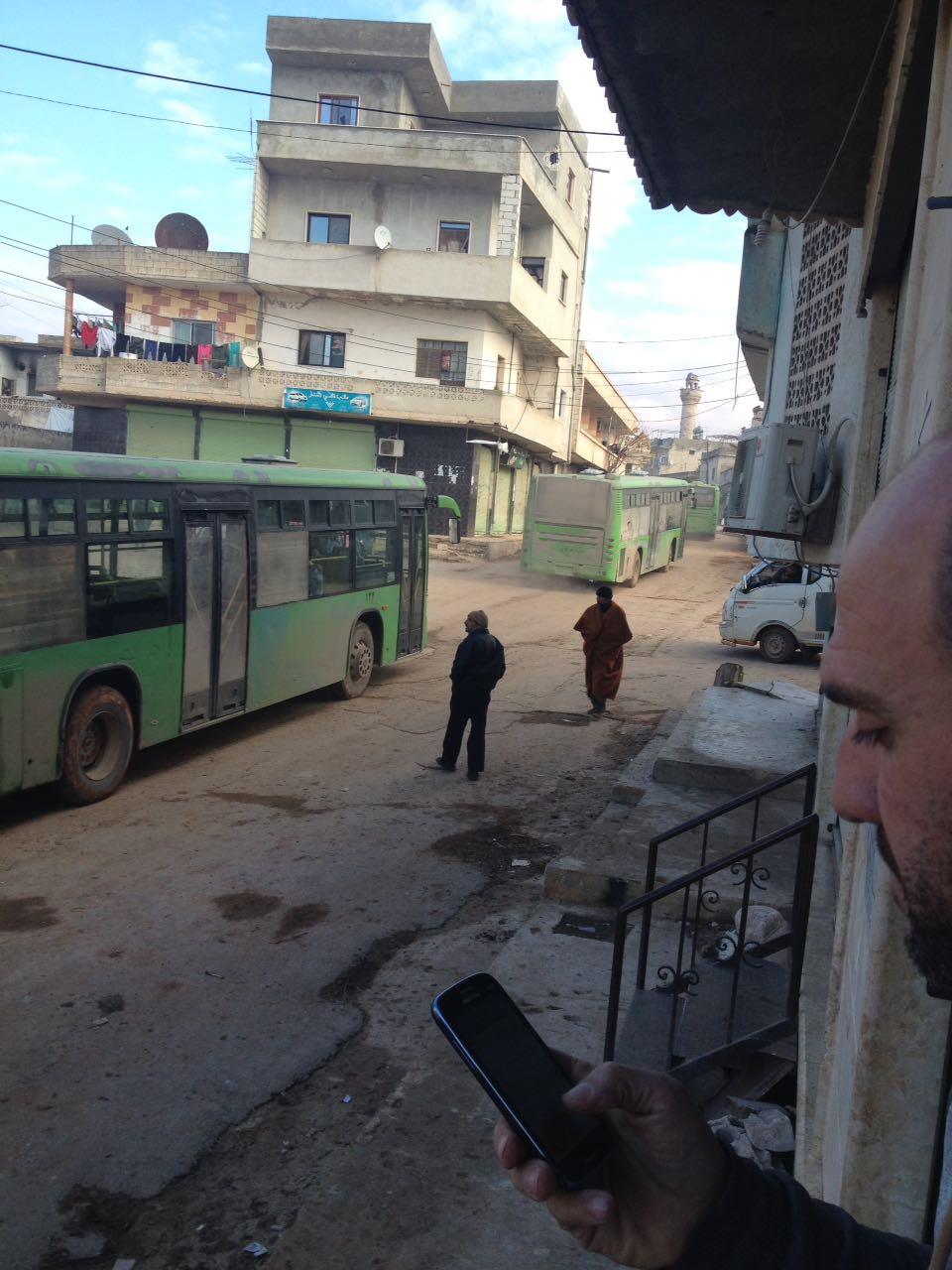 صورة دخول الباصات إلى الفوعة