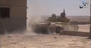 """اشتباكات عنيفة بين الجيش السوري وتنظيم """"داعش"""" في منطقة حقول الغاز في تدمر"""