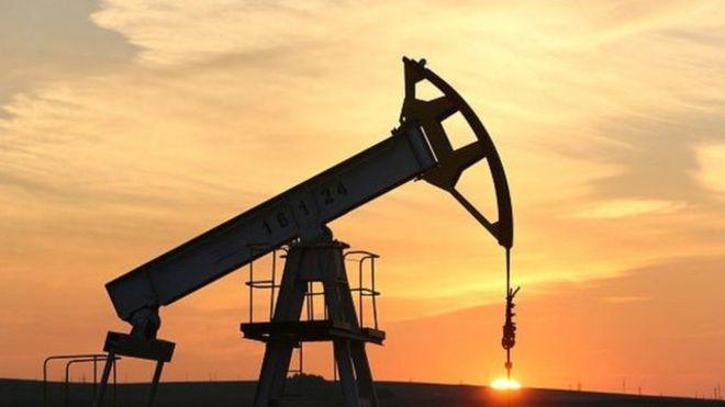 انخفاض أسعار النفط بفعل صعود المخزون الأمريكي لمستوى قياسي