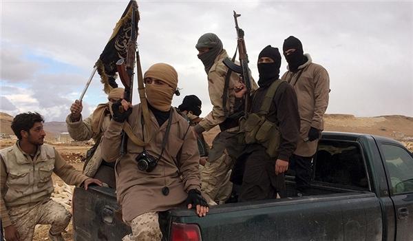 """قادة """"داعش"""" يفرّون من الرقة"""