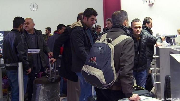 ألمانيا تتوقع وصول 200 ألف مهاجر سنويا إلى البلاد