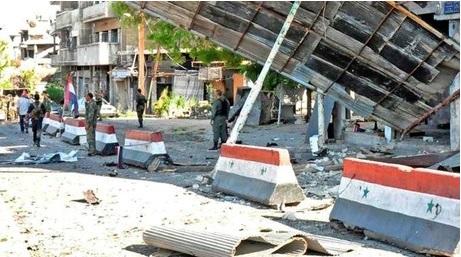 عناصر الهندسة في الجيش العربي السوري يواصلون تمشيط حي الوعر ويفككون شاحنة مفخخة من مخلفات التنظيمات الإرهابية