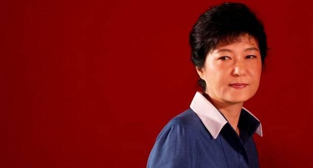 فضيحة لرئيسة كوريا الجنوبية تتسبب في عزلها