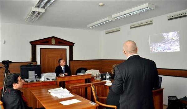 """رئيس بلدية مجري خلال محاكمته: """"إسرائيل"""" ارتكبت جريمة إبادة ضد الفلسطينيين"""