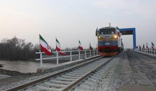أول قطار ترانزيت بين باكستان وكازاخستان يجتاز الاراضي الايرانية