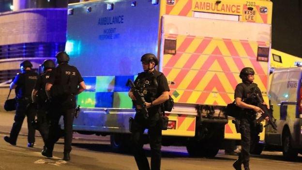 """""""إنفجار مانشستر نتيجة رقصة ترامب مع رئيس الإرهابيين"""""""