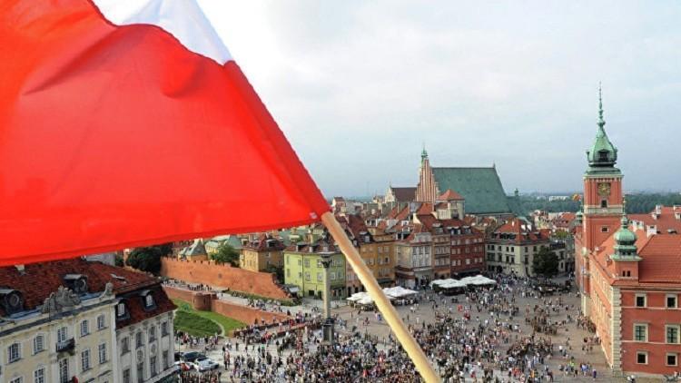 وارسو تحتج على تشبيه ماكرون لكاتشينسكي ببوتين