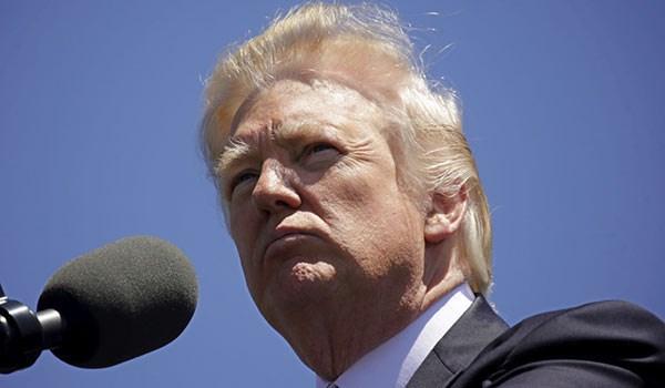 ثلث الاميركيين يؤيدون كيفية رد ترامب على احداث شارلوتسفيل
