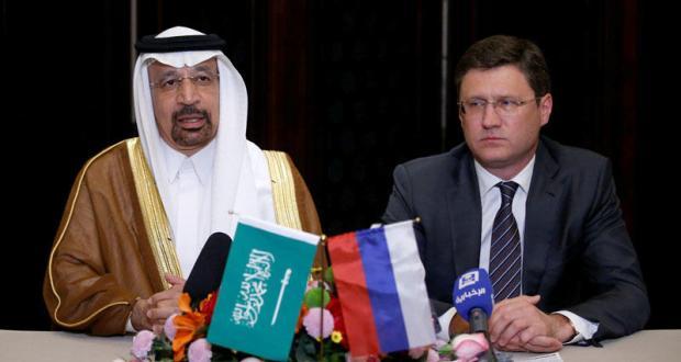 موسكو: التعاون مع أوبك سيأتي بمشاريع جديدة.. والنفط يهبط بسبب تخمة المعروض