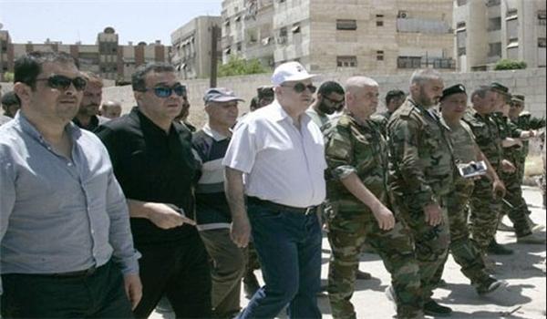 محافظ دمشق يتفقد منطقة القابون بعد إعادة الامن اليها