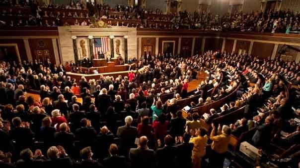مسألة عزل الرئيس ترامب على طاولة نقاش الديمقراطيين بمجلس النواب
