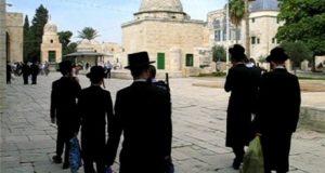 الاحتلال الاسرائيلي يغلق المسجد الأقصى امام المصلين والصهاينة يقتحمون باحاته