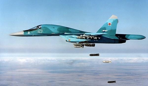 الطيران الروسي يدمر رتلا لداعش تسلل من الرقة إلى تدمر
