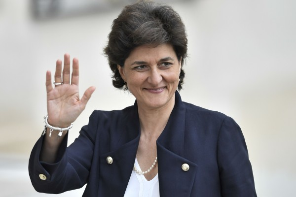 وزيرة الدفاع الفرنسية تغادر منصبها رسميًا