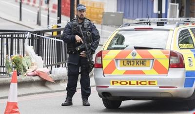القبض على شخص يحمل سكيناً قرب مبنى البرلمان