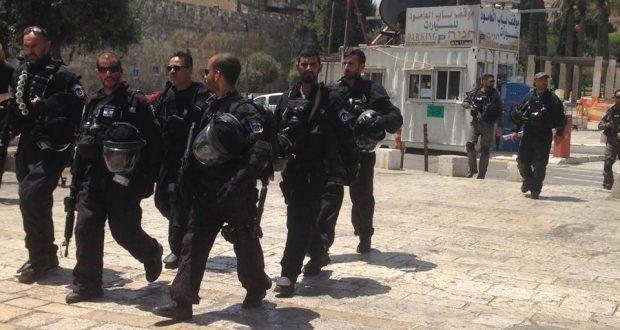 إبعاد أكثر من 25 فلسطينيا عن الأقصى