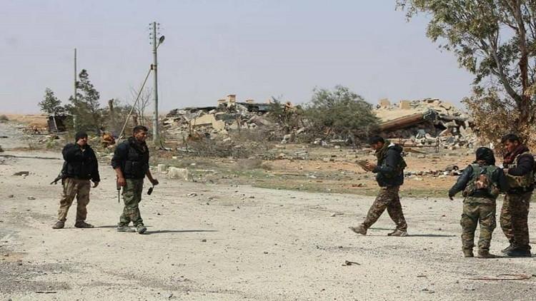 إحباط محاولة تفجير سيارة مفخخة لداعش في الطبقة السورية