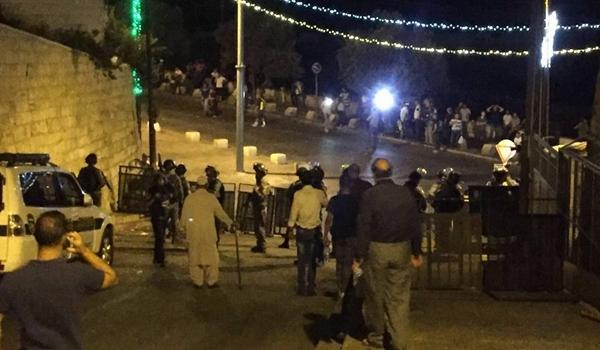 نحو مائة إصابة خلال المواجهات مع الاحتلال داخل باحات الأقصى