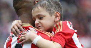 """كرة القدم تفقد """"أشجع مشجع"""".. أرقد بسلام برادلي لاوري!"""