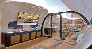 أول طائرة ركاب بسقف شفاف