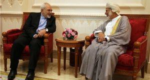 وزيرا الخارجية الايراني والعماني يؤكدان على تطوير العلاقات الاقتصادية والسياسية