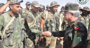 العماد أيوب يتفقد قوات الجيش السوري العاملة في دير الزور