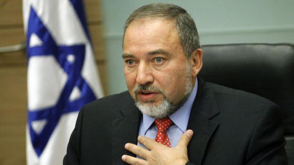 إسرائيل تبتلع اتهامها.. ليبرمان: أنا ثرثار