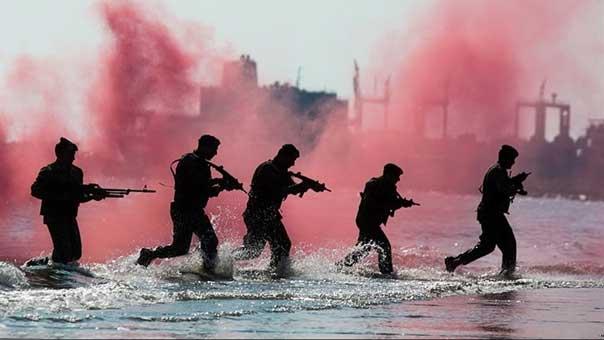 بالصور… تدريبات مغاوير القوة البحرية الايرانية