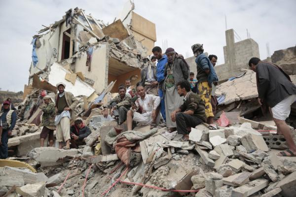صحيفة أمريكية: السعودية تنتهج استراتيجية عقابية بحق أبناء اليمن