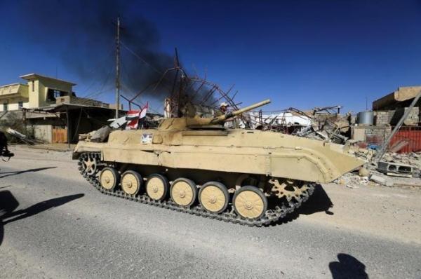 العراق وسوريا يضيقان الخناق على آخر معاقل داعش