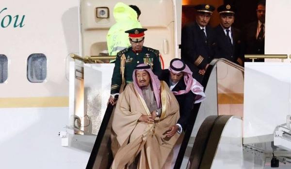 الكرملين يتبرّأ من عطل سلّم طائرة الملك سلمان ويؤكد أنه سعودي