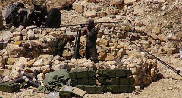 تحضيرات دفاعية لـ'داعش' في البوكمال والجيش السوري يدمر آليات للتنظيم في 'محكان'