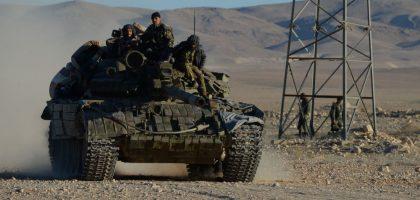 """""""داعش"""" يعود بخفي حنين إلى الصحراء ويفشل في محاولاته لعرقلة عملية تطهير البوكمال"""
