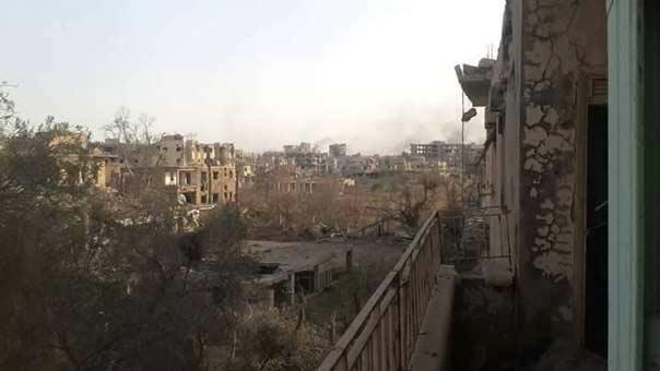 'العهد' في أحياء دير الزور المحررة .. إجرامٌ داعشيٌ غير محدود