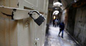 إضراب مفتوح بالمؤسسات العامة في لبنان