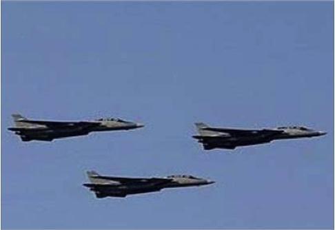 إيران تختبر صواريخها في مناورات اليوم الأول