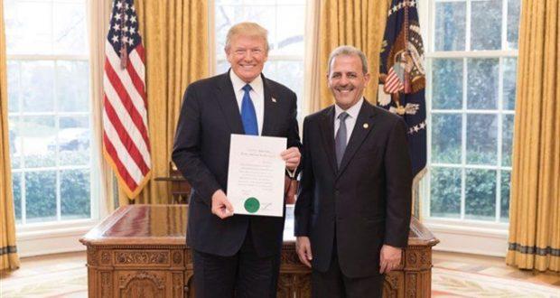 السفير اللبناني يقدم أوراق اعتماده الى الرئيس الاميركي دونالد ترامب
